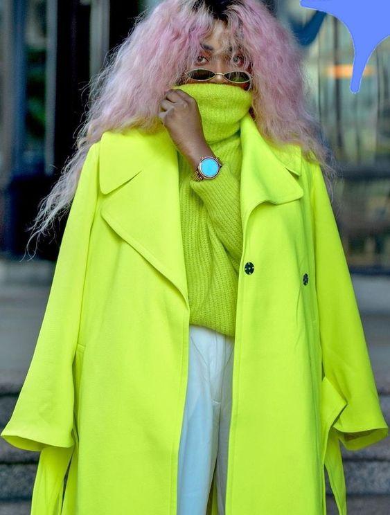 Неоновая одежда и аксессуары - модный тренд весны и лета 2021
